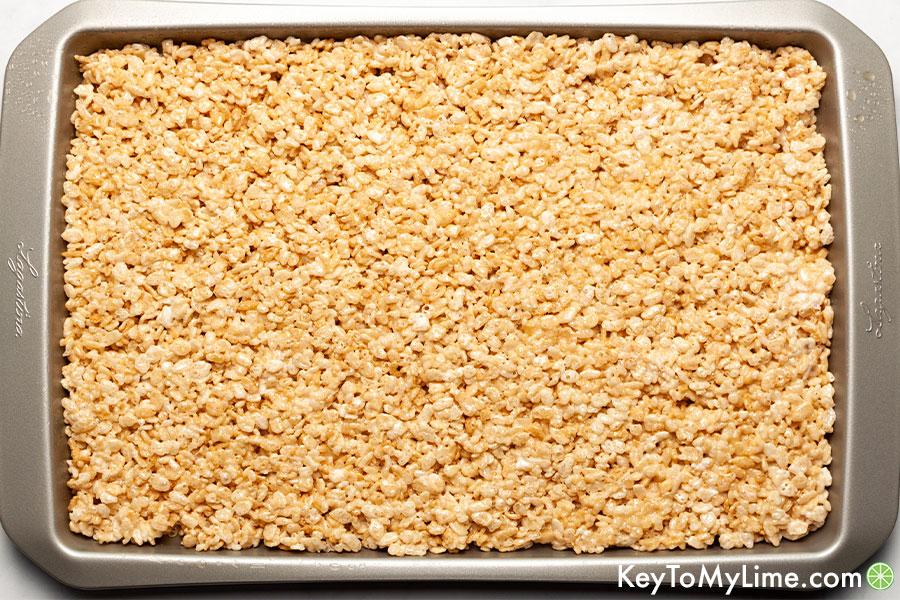 Halloween Rice Krispie Treats - Easy Halloween Dessert ...